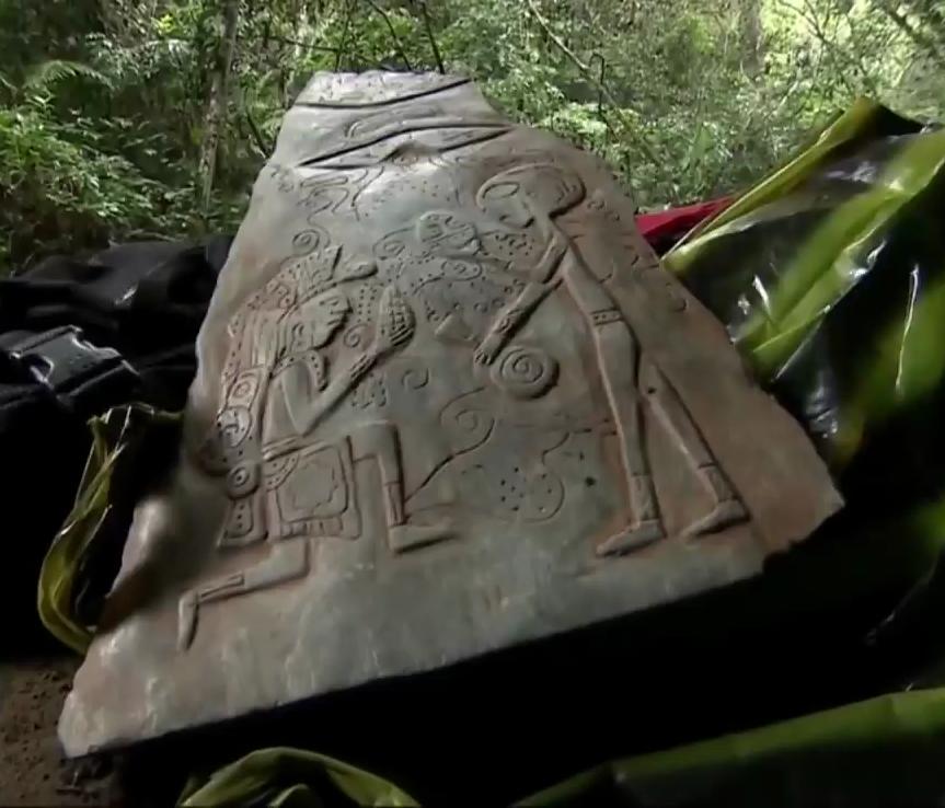 Jade stones describing alien contact found in a cave in Mexico 1