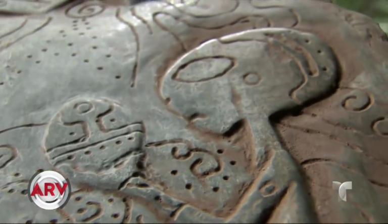 Jade stones describing alien contact found in a cave in Mexico 3