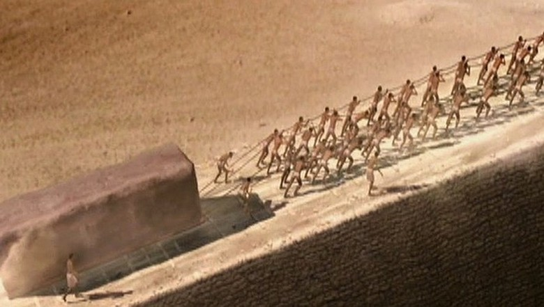 slaves and pyramids - The construction of the Egyptian pyramids was carried out using sound, but not a word in textbooks