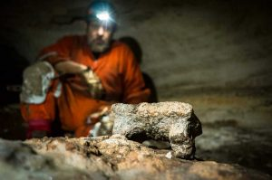 New find: Mayan Indian cave guarded by snake 2