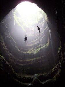 Cerro Sarisariñama: An enigmatic hole that leads to a totally unknown world 3